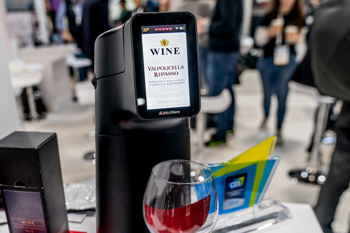 Albicchiere: la soluzione smart per gli amanti del vino thumbnail