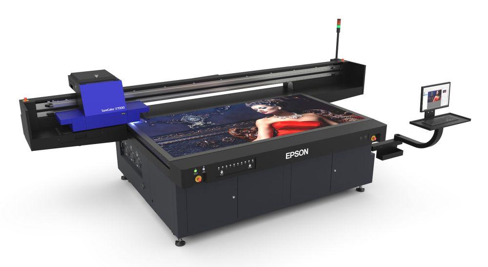 SureColor SC-V7000, Epson presenta la sua prima stampante flatbed UV LED thumbnail