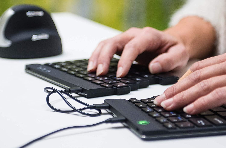 Le migliori tastiere ergonomiche per lo smart working thumbnail