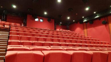 sala cinema poltroncine rosse
