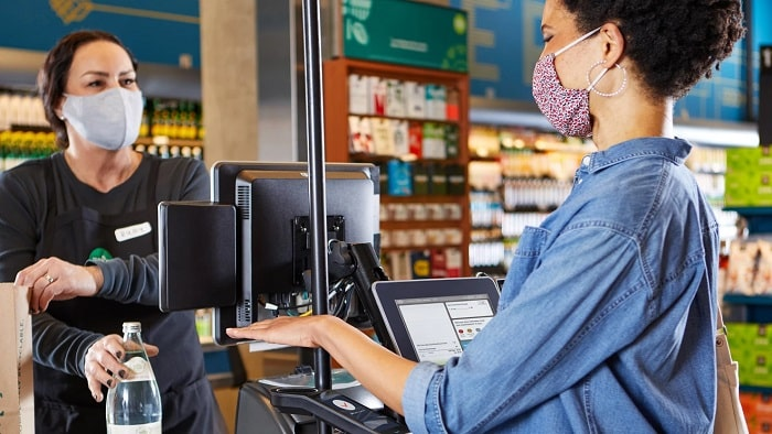 Amazon porta i pagamenti con il palmo della mano nei suoi negozi Whole Foods