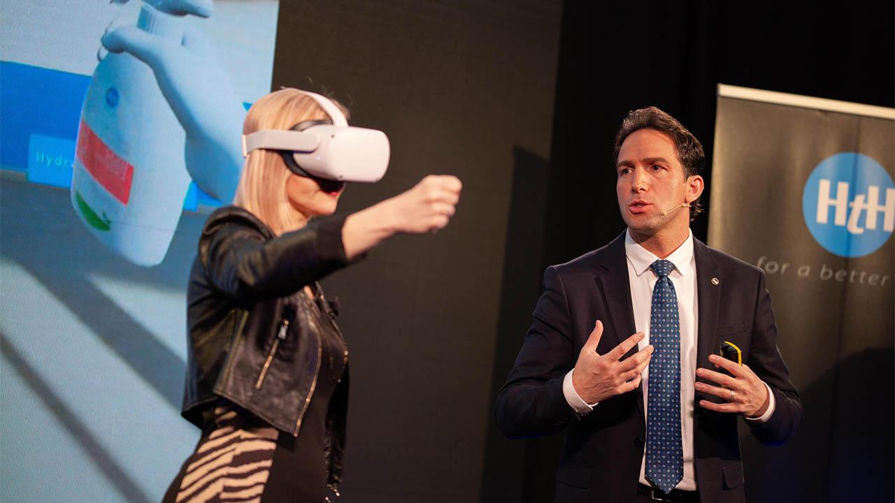 "House to House lancia nuovi prodotti e l'innovativo ""door to door"" virtuale thumbnail"