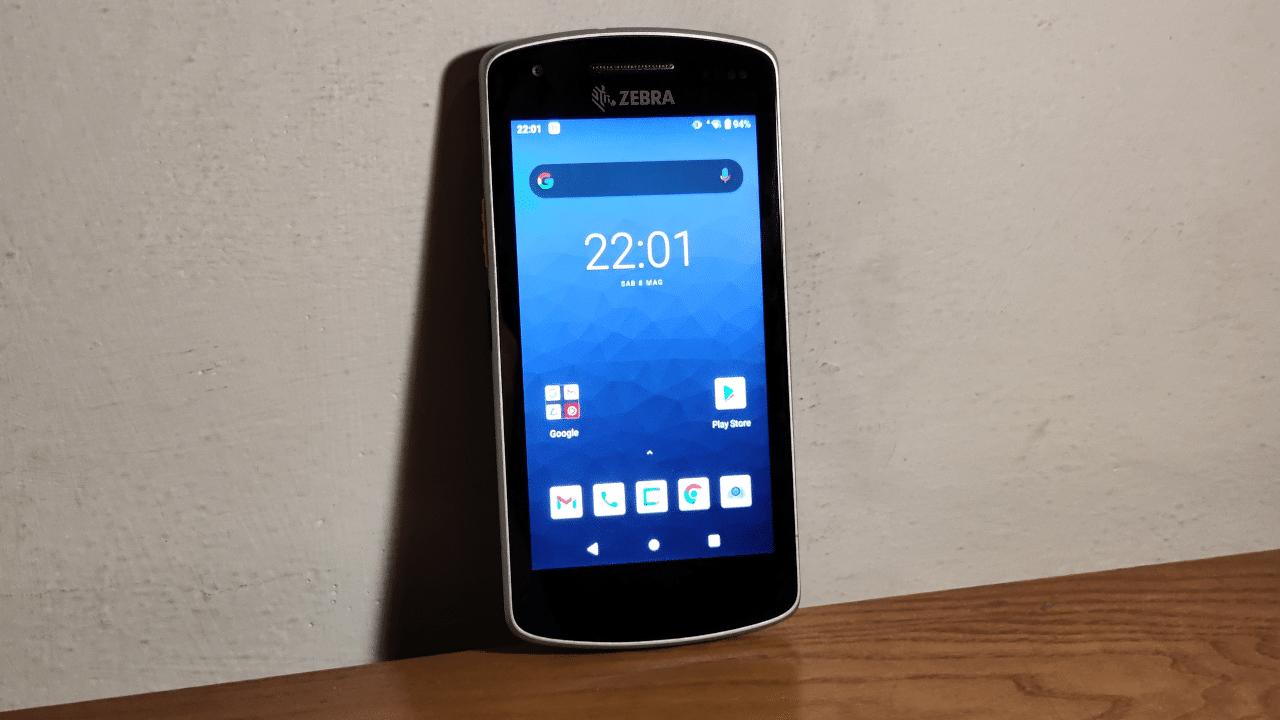 La nostra recensione di Zebra EC55, il mobile computer per il tuo negozio thumbnail