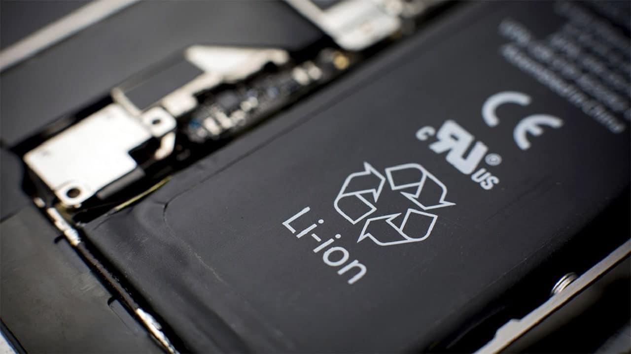 Le batterie degli smartphone diventano smalti per piastrelle, grazie a Spirit e Fòrema thumbnail