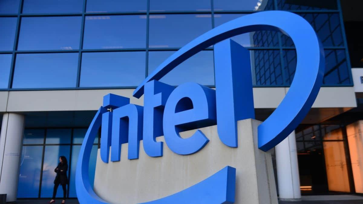 Intel ha pubblicato i risultati finanziari del terzo trimestre 2021 thumbnail