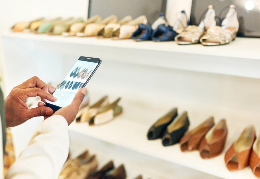 e-commerce negozio fisico hybrid-min