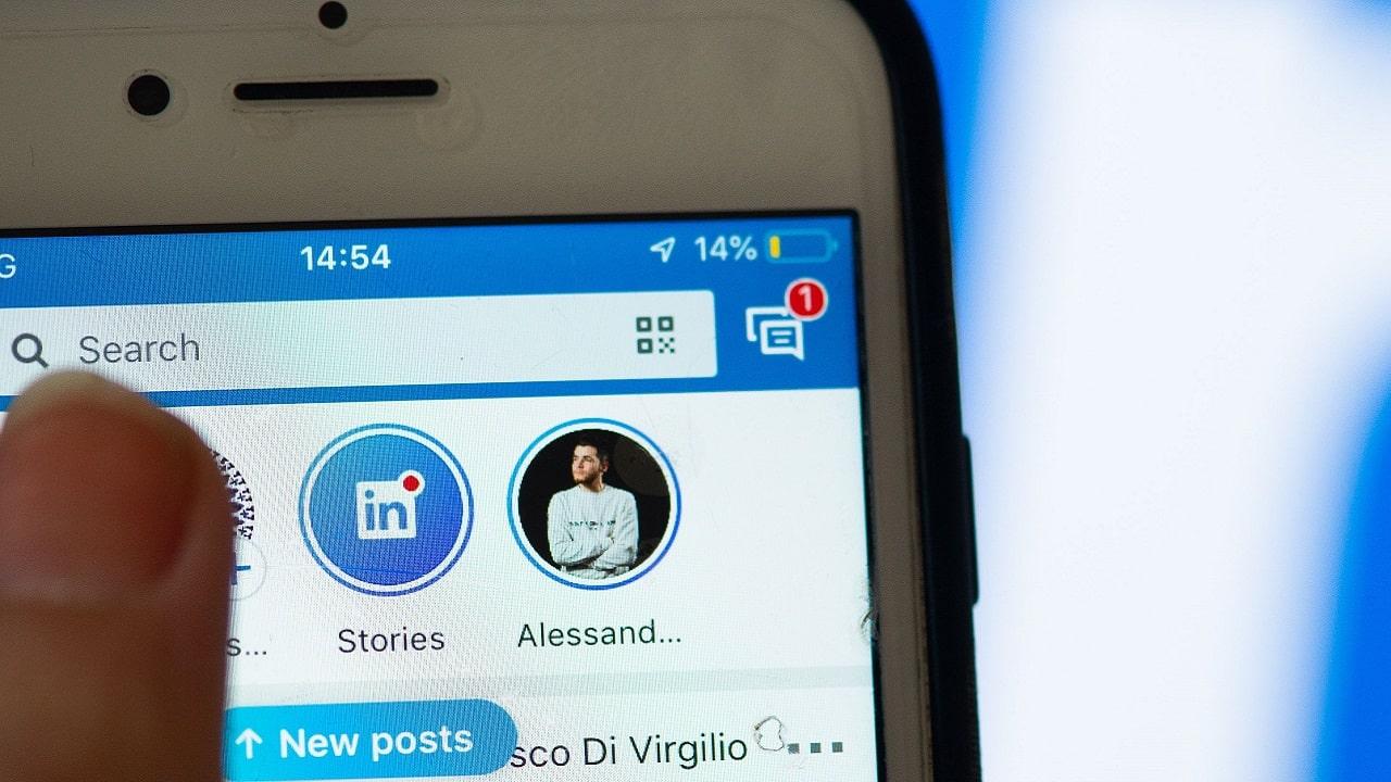 LinkedIn getta la spugna sulle sue Storie thumbnail