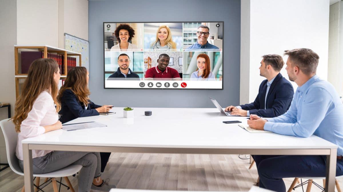 Sharp/NEC lancia due nuovi display di grande formato thumbnail