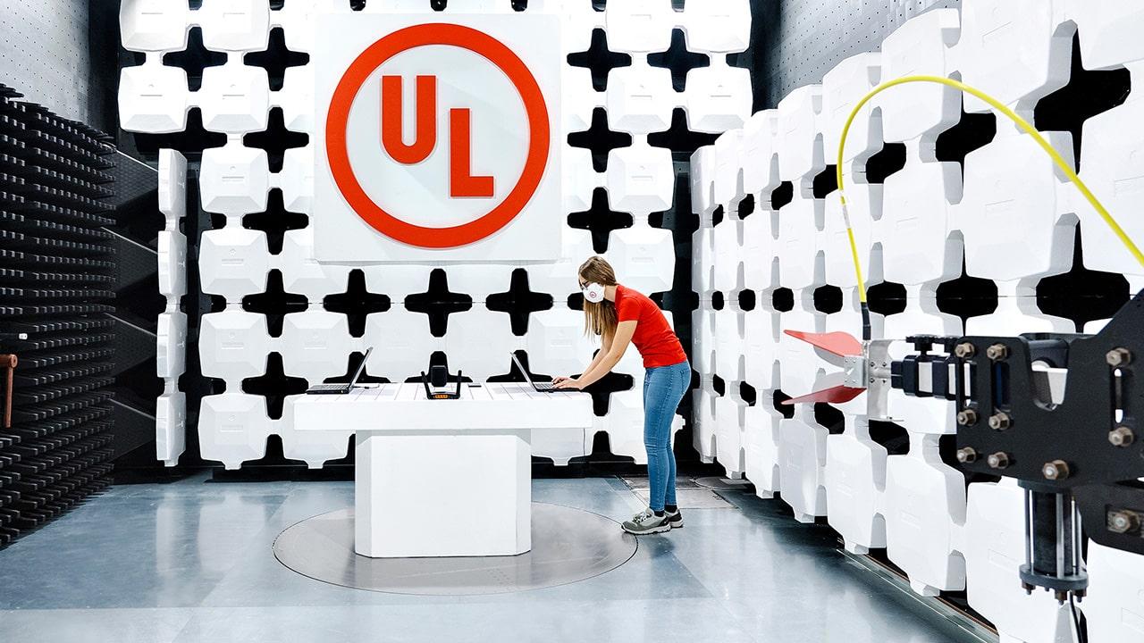 UL apre un laboratorio per la Compatibilità Elettromagnetica e wireless in Italia thumbnail
